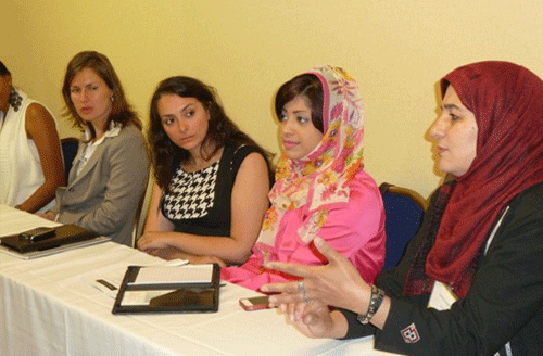 Fellows discuss Women in government