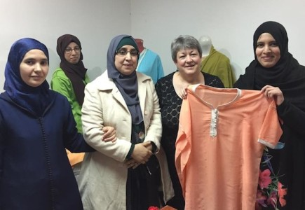 "Jo Nelson together with women-participants  of follow-on Project ""Show me the market place"" , implemented by PFP fellow Sara Ait Mouh"